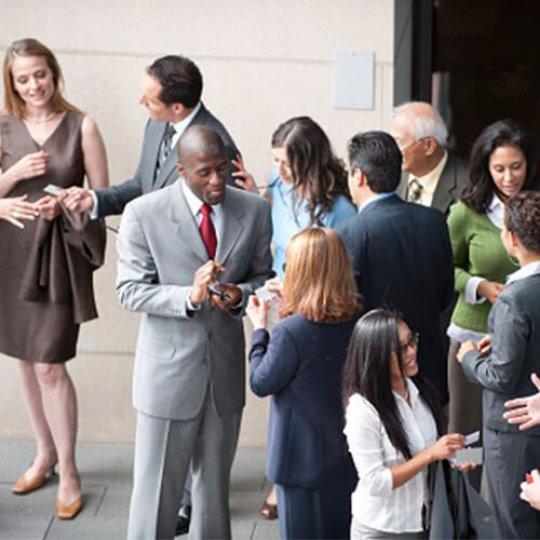 gestion de prospects, Personnel en kiosque, réseautage, Skyline Entourage