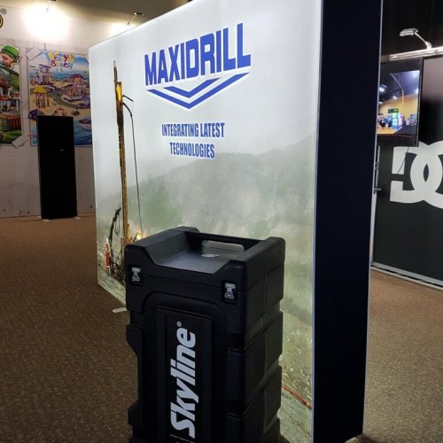 Backlit portable Maxidrill backwall with carrying case, trade show solutions, Skyline Entourage