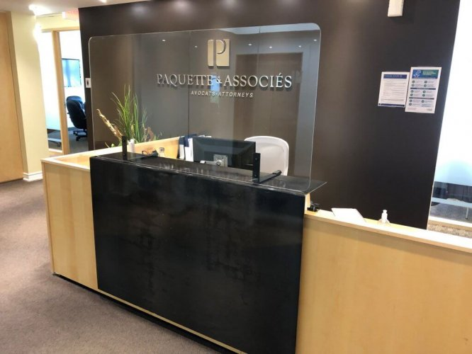 Reception desk with plexiglass sneeze guard, Covid-19 business solutions, Skyline Entourage