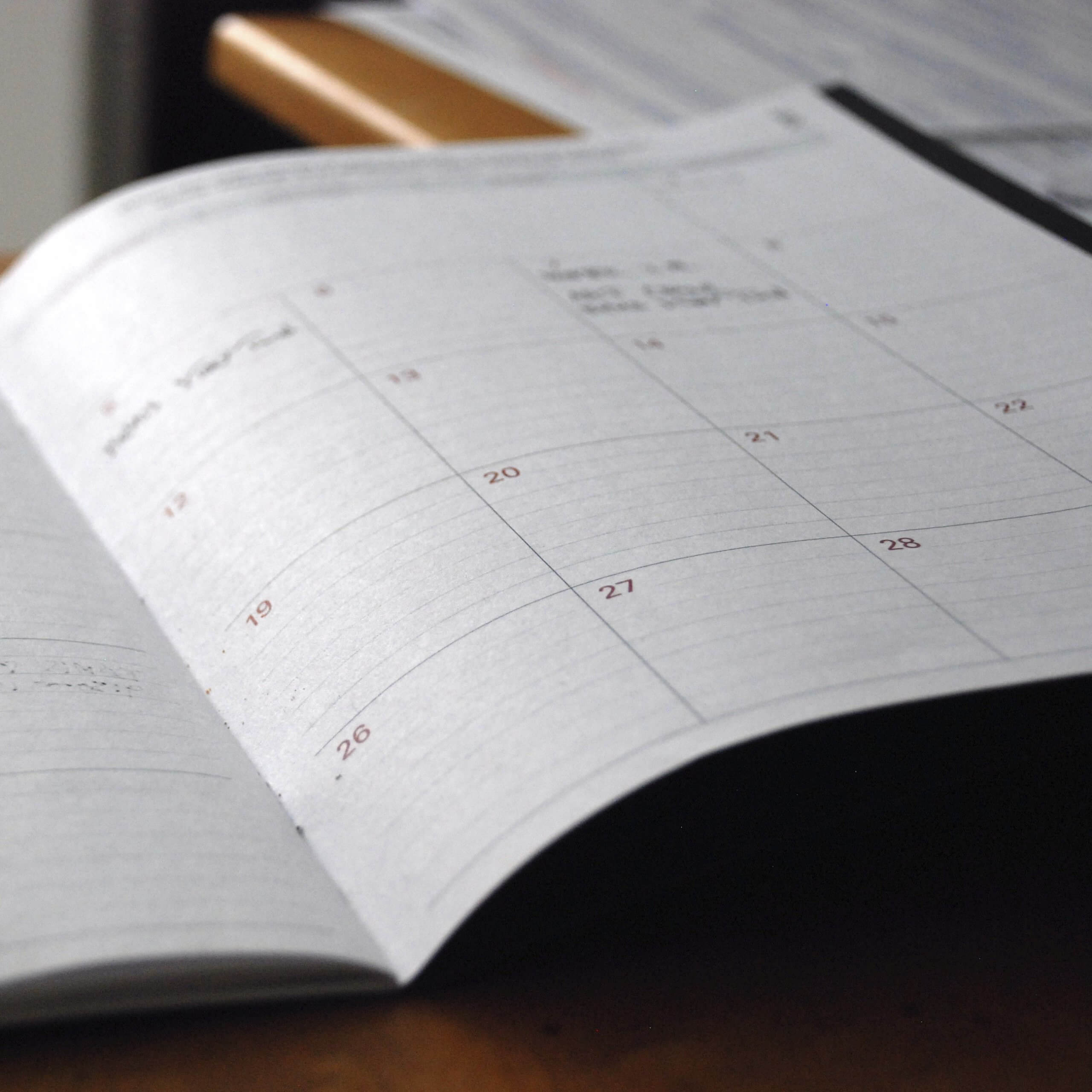 Calendar planner with dates marked for events, trade show marketing, avenir des salons, Skyline Entourage