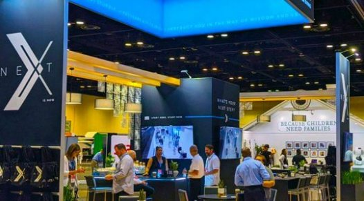 in-person trade show attendance, events, face to face marketing, salons en personne, skyline entourage